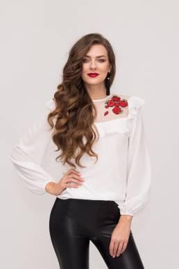 Bluză accesorizată cu broderie